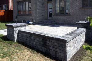 Interloc Retaining Wall Installation - Project